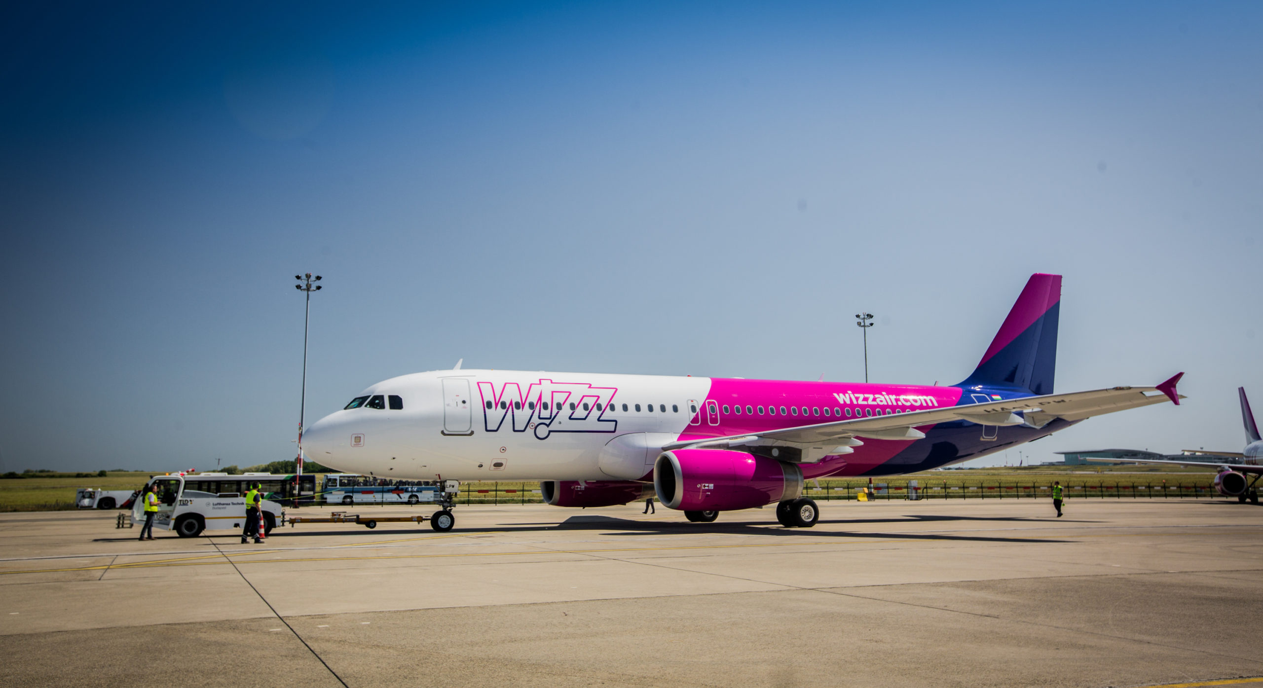 Wizz Air beefs up Larnaca base, 5 new routes - Financial Mirror